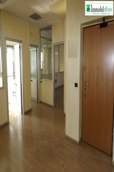 Via Ciciniello 10,85100 Potenza,Potenza,Basilicata,6 Rooms Rooms,Commerciale,Via Ciciniello,1113