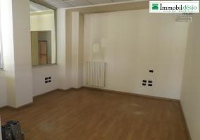 Via Ciciniello 10, 85100 Potenza, Potenza, Basilicata, 6 Stanze Stanze,Commerciale,Affitto,Via Ciciniello,1113